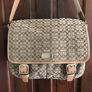 Coach Signature Messenger Bag F70283